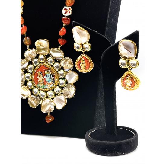 Baroque Pendant Set