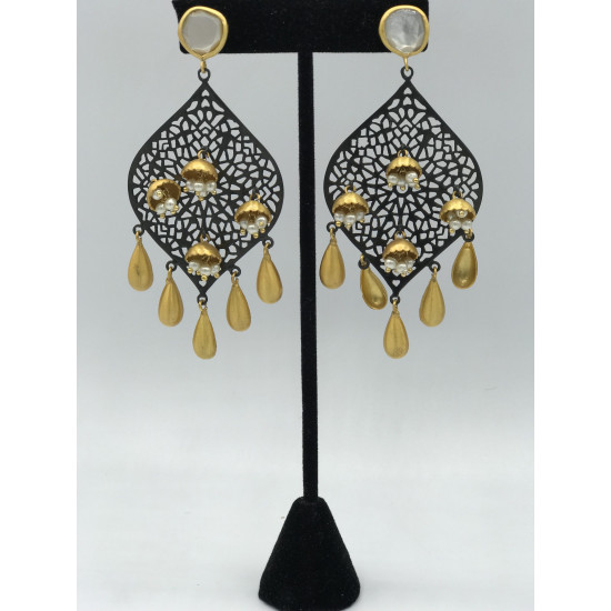 Spate Earrings